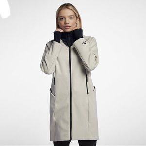🌧 NWT🌧 NIKE Sportswear Tech Fleece jacket